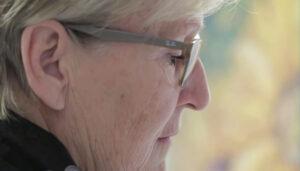 Screenshot aus Werbe- / Impressionsfilm Malkurse im Atelier R. Keller